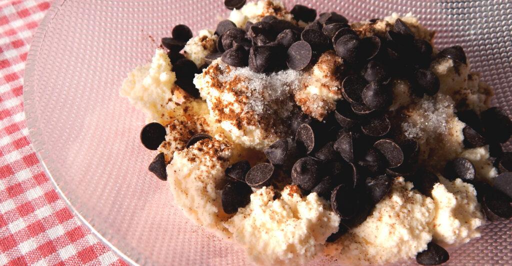 cannoli tapa de empanada ricotta canela chocolate