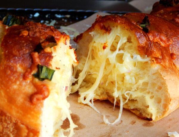 pan de ajo baguette queso manteca dip picada