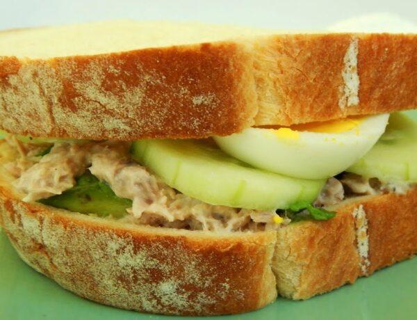 sandwich de atun huevo palta pepino
