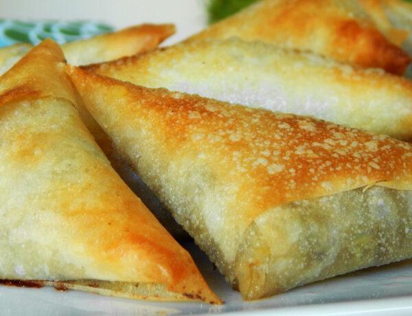 triangulos masa filo hongos queso