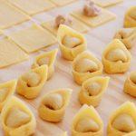 tortellini carne caldo brodo pasta casera