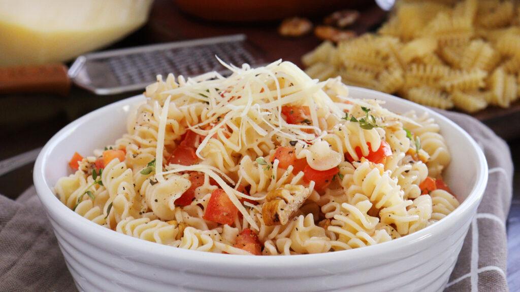ensalada de pasta fideos fresca facil rapida tomate ajo